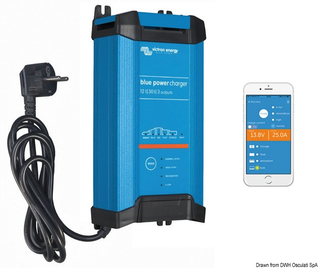 VICTRON Bluesmart IP22 Bluetooth-enabled battery charger